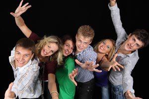 Cómo organizar un primer baile para adolescentes