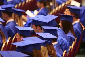 Cómo Organizar Una Entrega De Diplomas