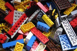 Organizar los juguetes de los niños con un baúl para juguetes