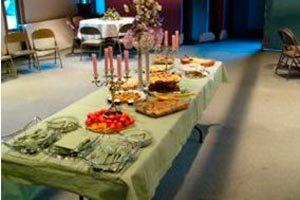 Protocolo al servir las comidas en una reunión especial
